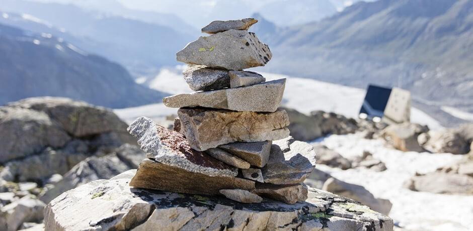 Aufeinander gestapelte Steine