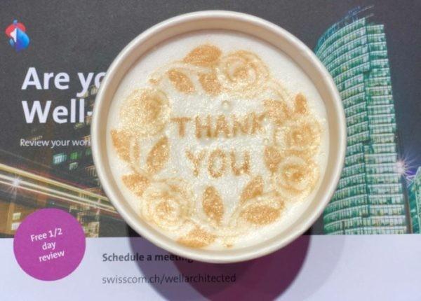 """Kaffe mit """"Thank you"""" Schritfzug"""