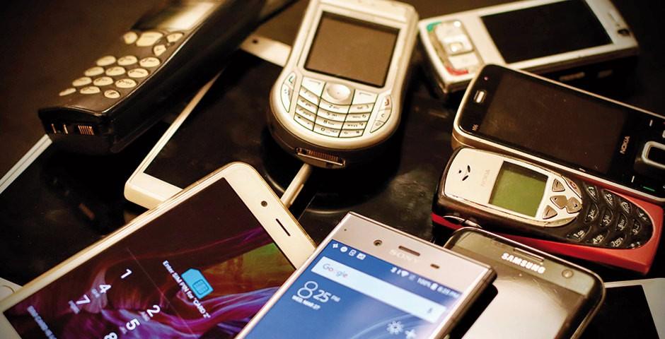 Verschiedene alte Mobiltelefone
