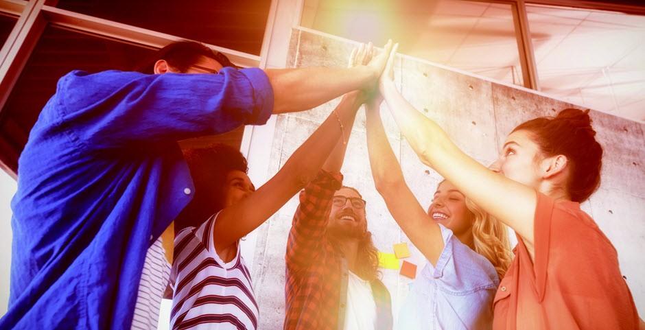 L'équipe fait un high five