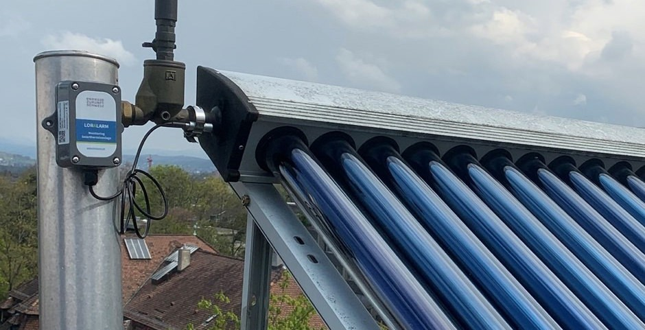 Solar heating pipes on roof with controller