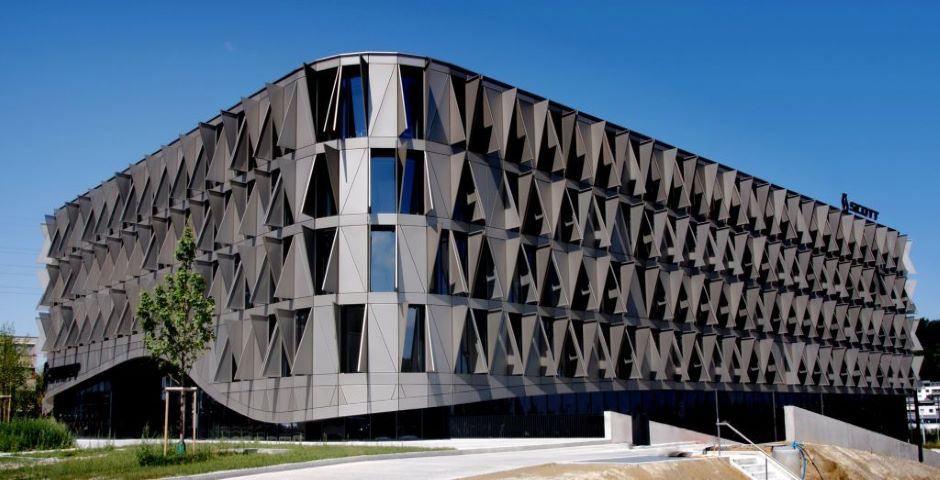 Graues Gebäude