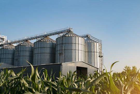 Getreide und Silos