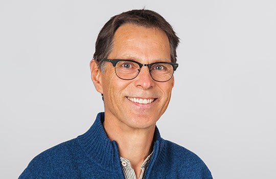 Facharzt für Rheumatologie, physikalische Medizin und Rehabilitation sowie Vorstandsmitglied der Ärztegesellschaft Zürich