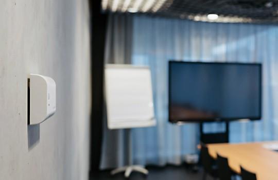Monitoring der Luftqualität im Meetingraum