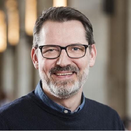 Adrian Fischer, Swisscom Cross Channel Management